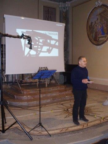 Il presidente della Fondazione Mons. Bongianino presenta LA TREGUA nwll'ambito del Giorno della Memopria 2013, celebrato a Borgodale All'Auditorium S. Francesco il 27. gennaio 2913