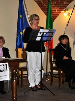 Emanuela Santamaria legge le poesie di Bruno Vilar