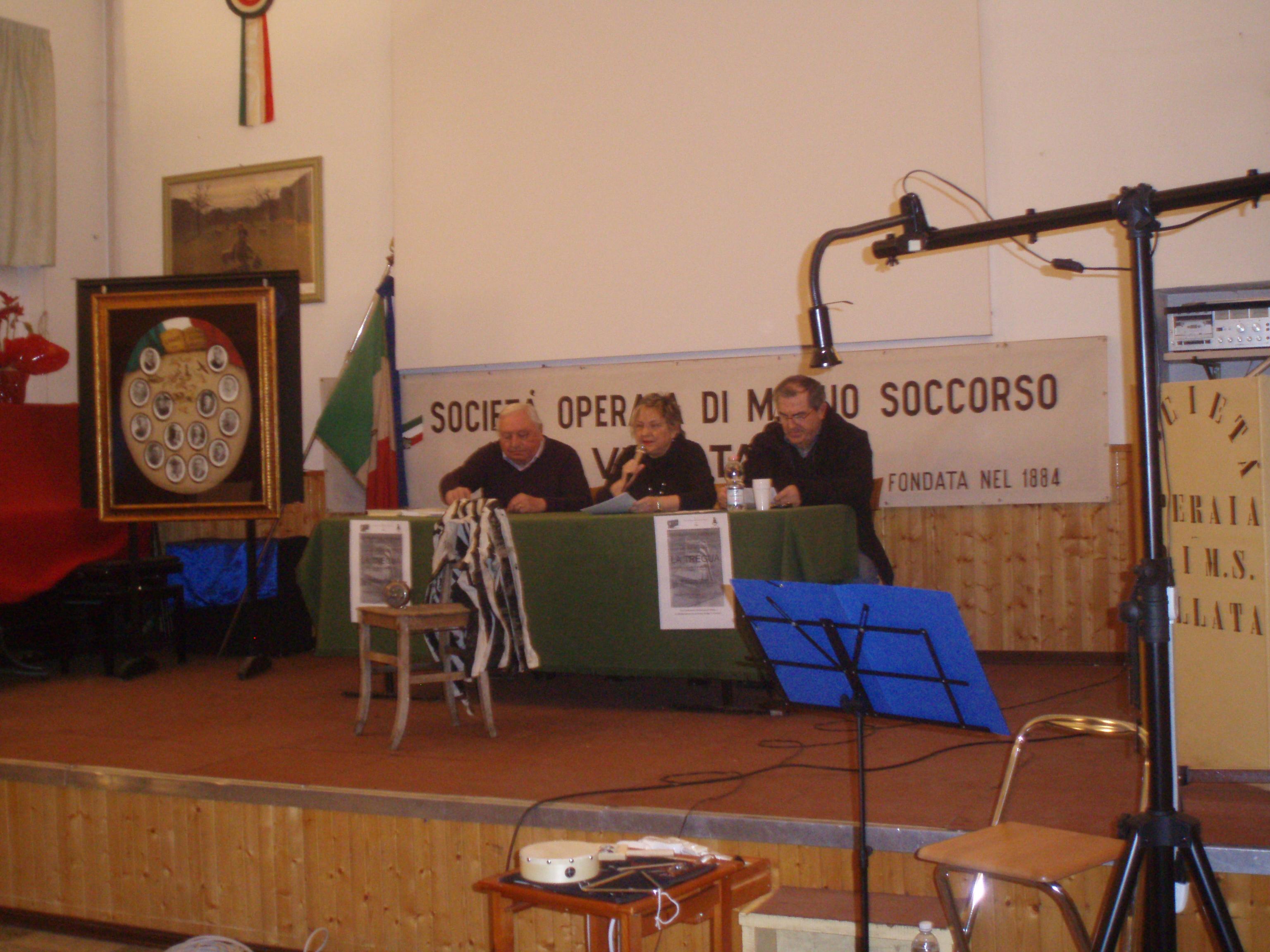 LA TREGUA- Villata 23.01.2013- da sx. Umberto Uga, Prof.sa Ranghino, Dirigente scolastico Prof. Laione