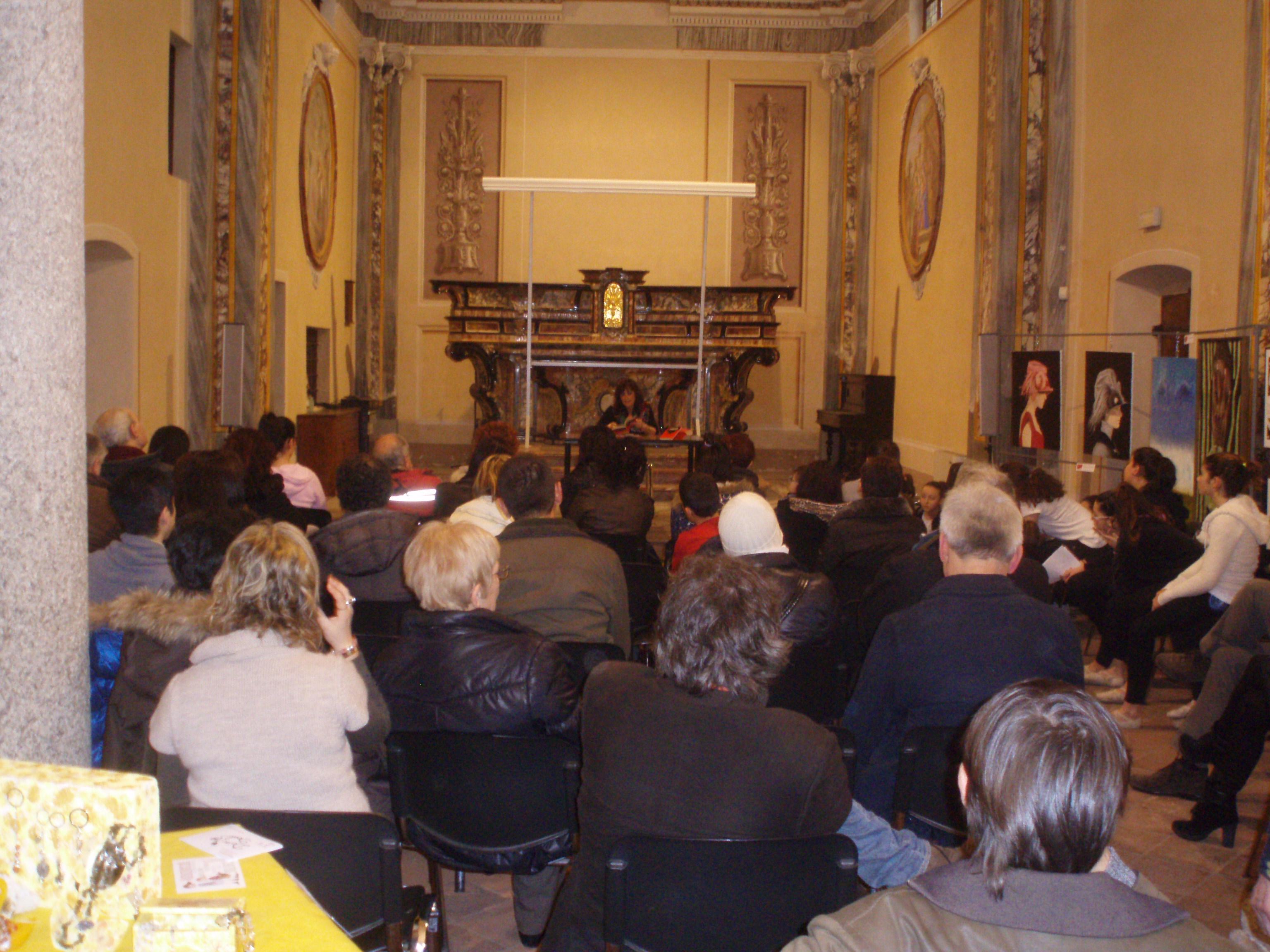 """In collaborazione con Edizioni Mercurio, Roberta Invernizzi presenta il suo libro """"capelli"""""""