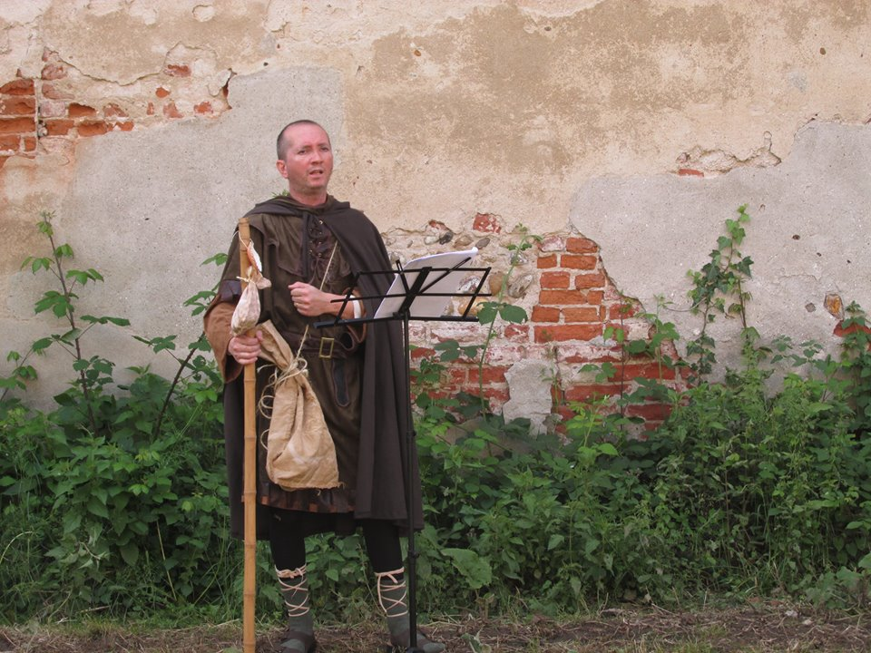 Marco Pavesi nei panni del pellegrino Marcus
