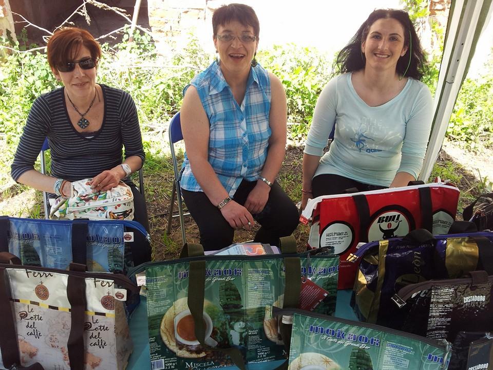 Simona, Fabiana e Karin al Borgo artigiano